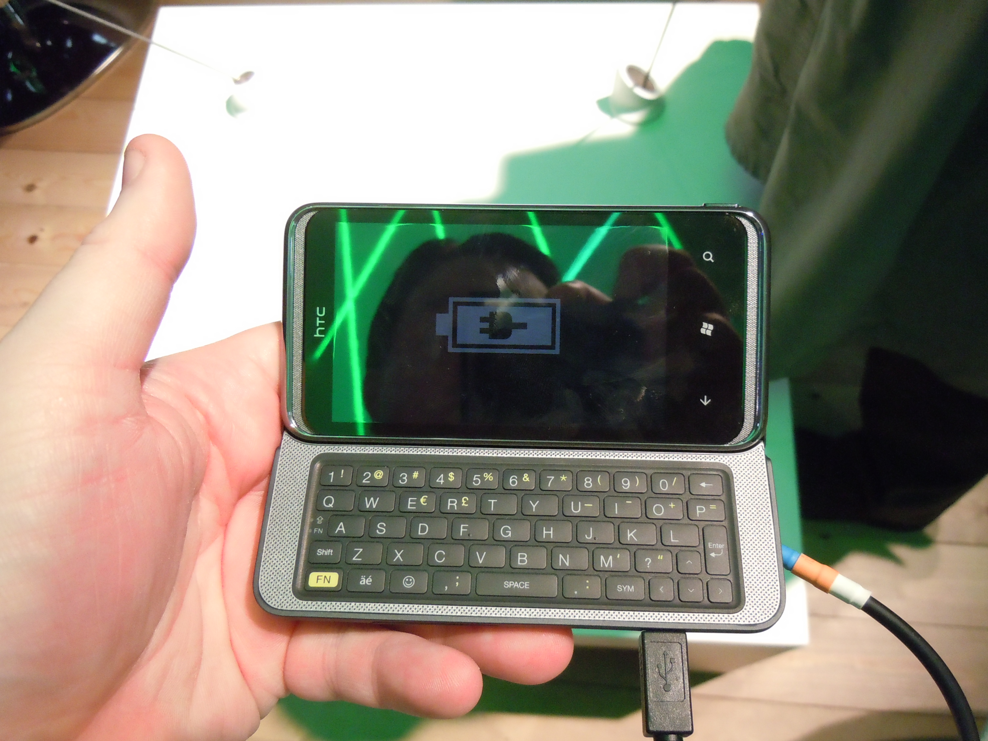 HTC 7 Pro   Up Close
