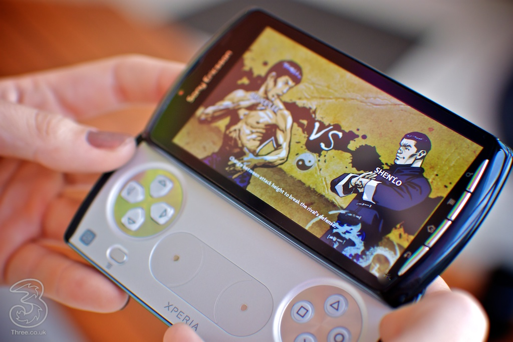 Sony Ericsson XPERIA play 3