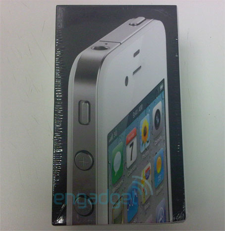 White iPhone 4 Due Within Days!