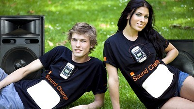 T shirt that recharges phones