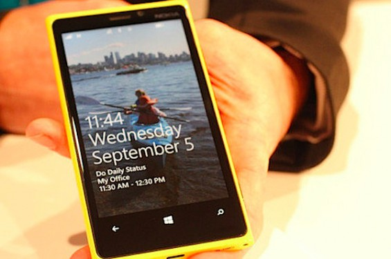 Yellow Lumia 920 500.jpg