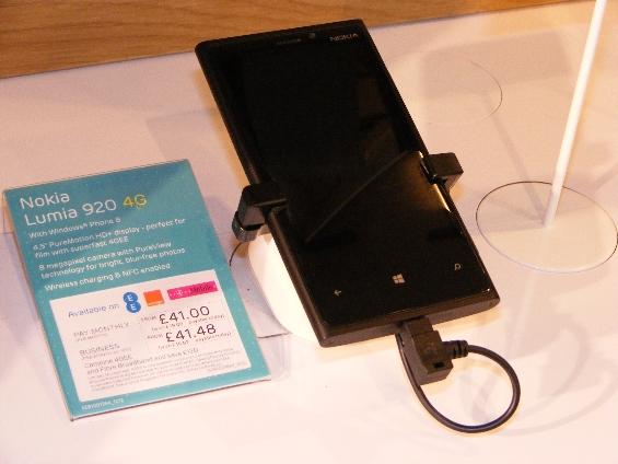 Nokia Lumia 920 Live Handset