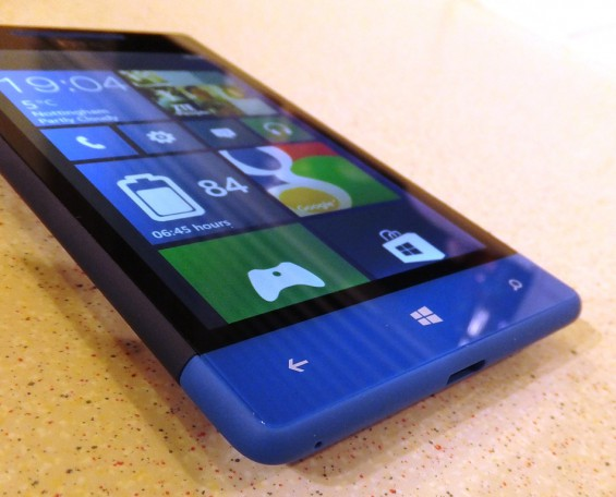 HTC 8S pic1