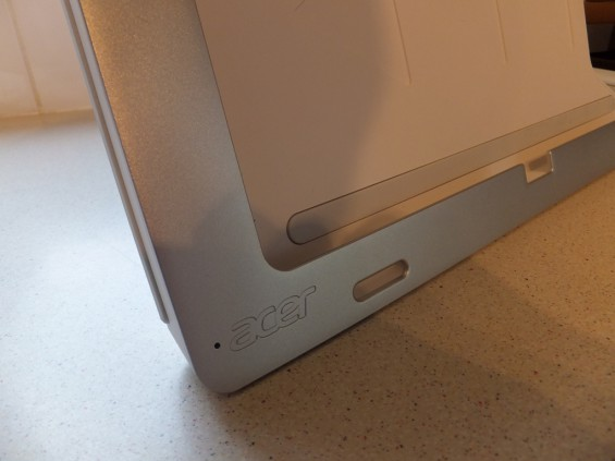 Acer W700 Pic30