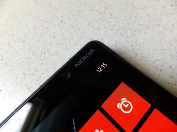 Nokia Lumia 820 pic4