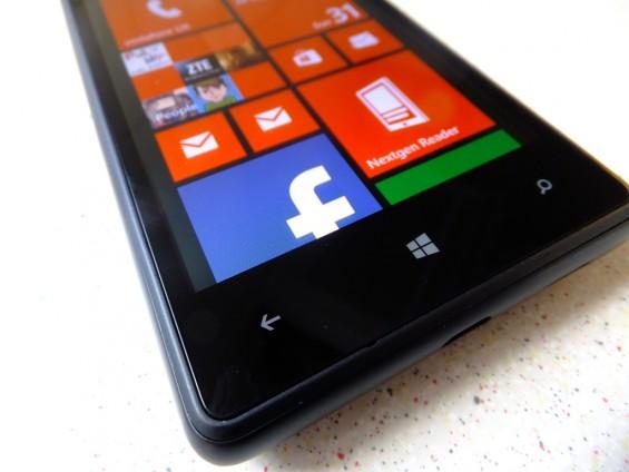 Nokia Lumia 820 pic9