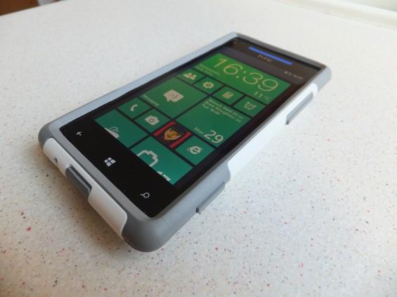 HTC 8X Otterbox pic1