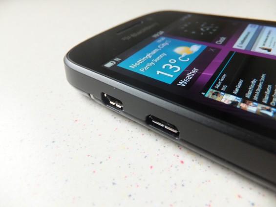 BlackBerry Q10 Pic5