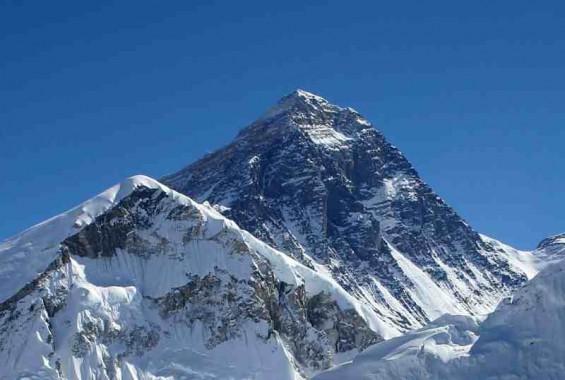 wpid Everest kalapatthar crop.jpeg