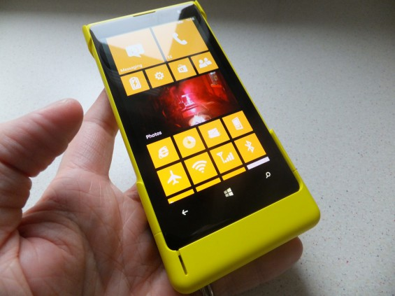 Nokia Lumia 1020 Camera Grip Pic11