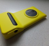 Nokia Lumia 1020 wireless charging case and camera grip case   Review