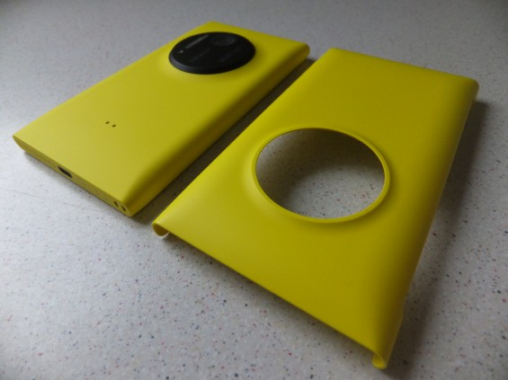 Nokia Lumia 1020 Wireless Charging Cover Pic1