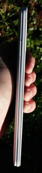 N1 SIM Tray Edge