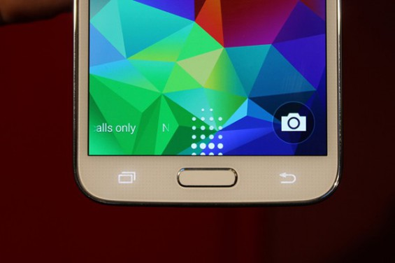 Galaxy S5 leaked 1