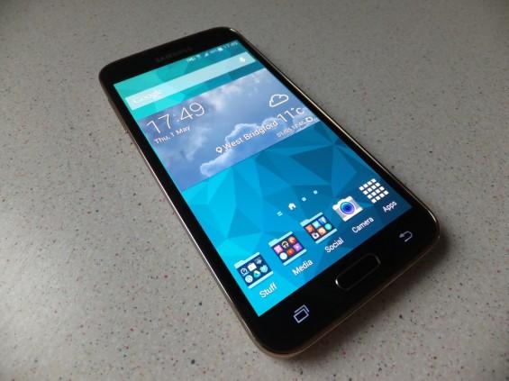 Samsung Galaxy S5 Pic1