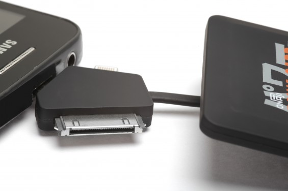 Onaji Pawa Card Connecting to Micro USB