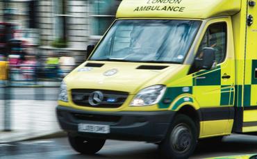 london ambulance1 370x229