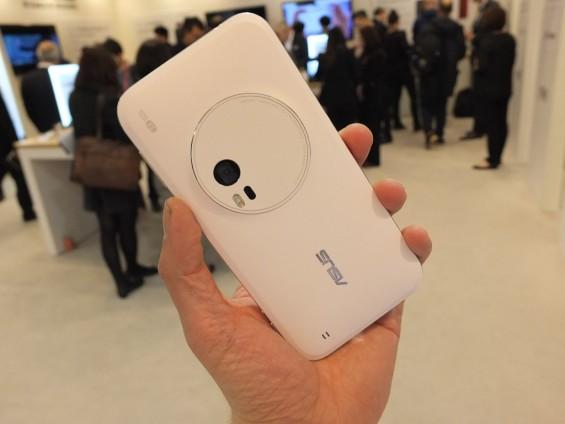 Asus Zenfone Zoom Pic2