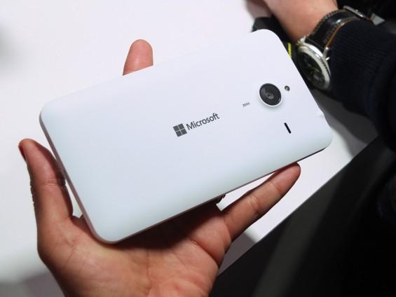 Microsoft Lumia 640 XL pic2