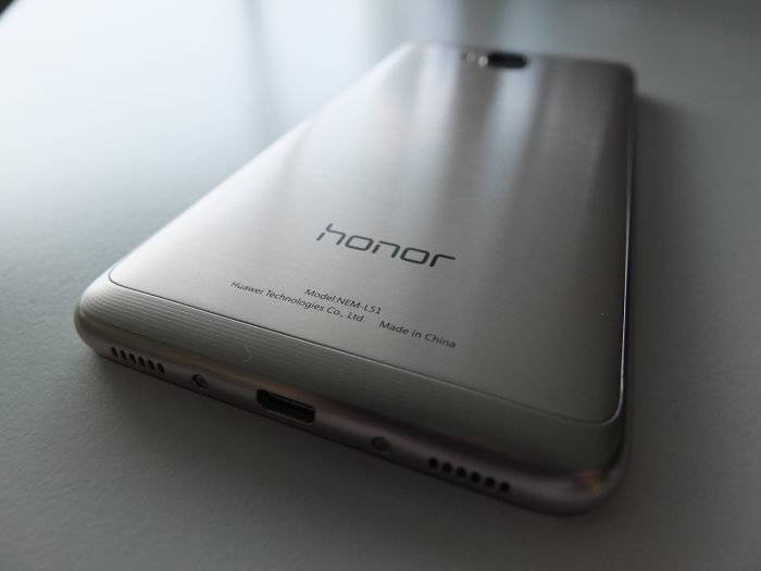 Honor 5C Gold Pic1