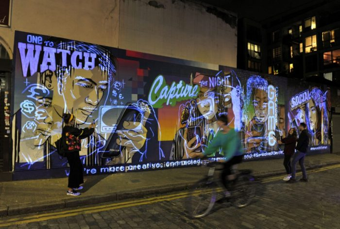 evolving mural london smartphones091892679608.jpg