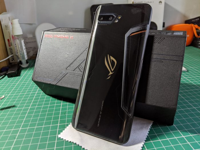 Unboxing the Asus ROG Phone 2