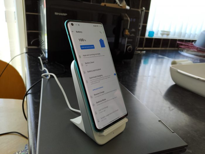 OnePlus Warp Charge 30 Wireless Charger Overview