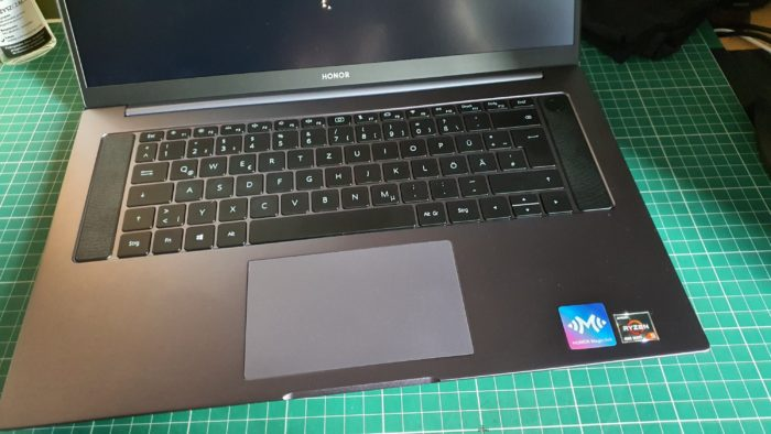 Honor MagicBook Pro unboxing and first impressions.